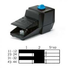 Арт. 305112 Управляющий выключатель с 2 импульсным и 2 удерживающими контактами – ключевая коммутация, с аварийной остановкой, 6A/230V~ AC-15 IP65, код заказа FDC K2R-G